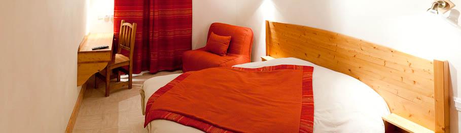 Panorama de la chambre rouge des Alpins